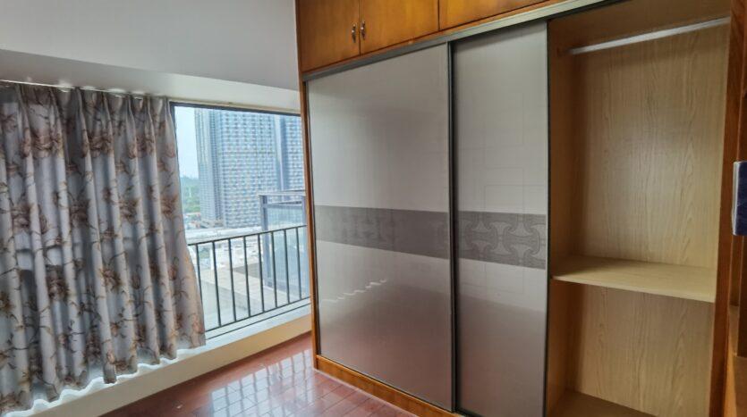 整租·龙华区水榭春天六期 三房两厅两卫 精装修